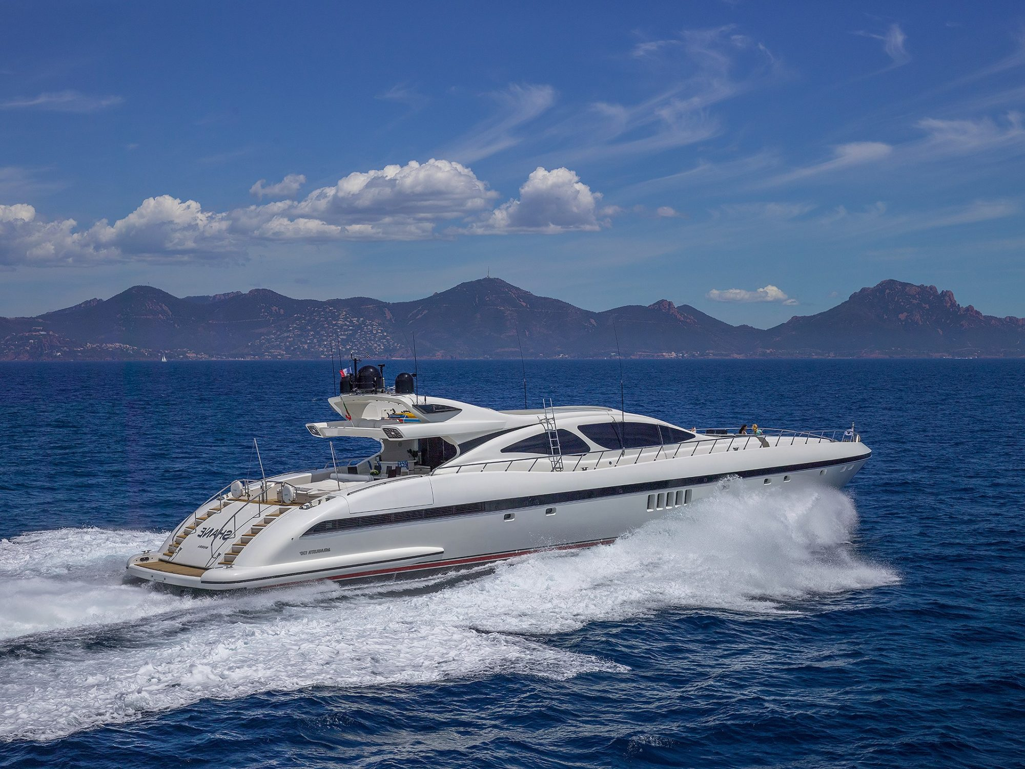 shane yacht for charter