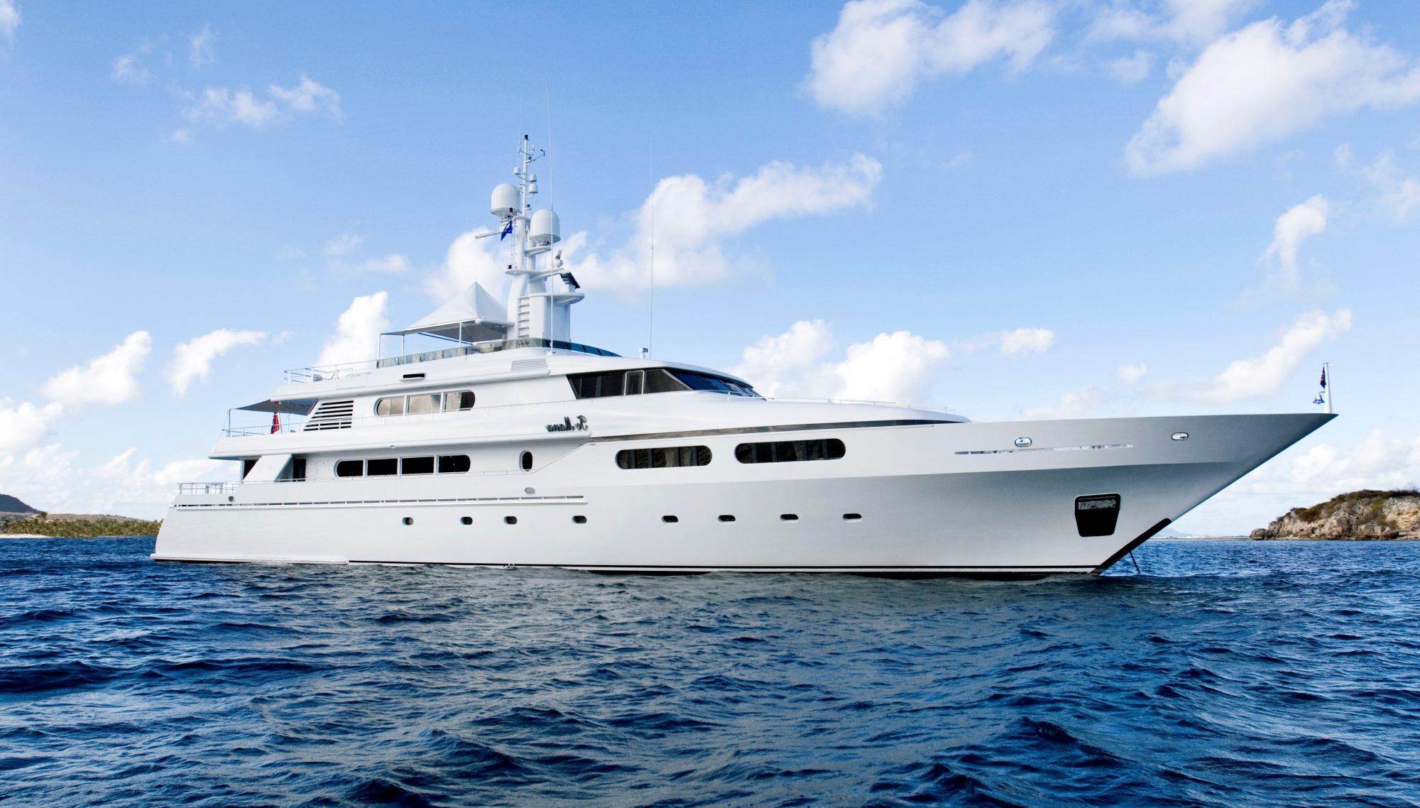 yacht for charter te manu
