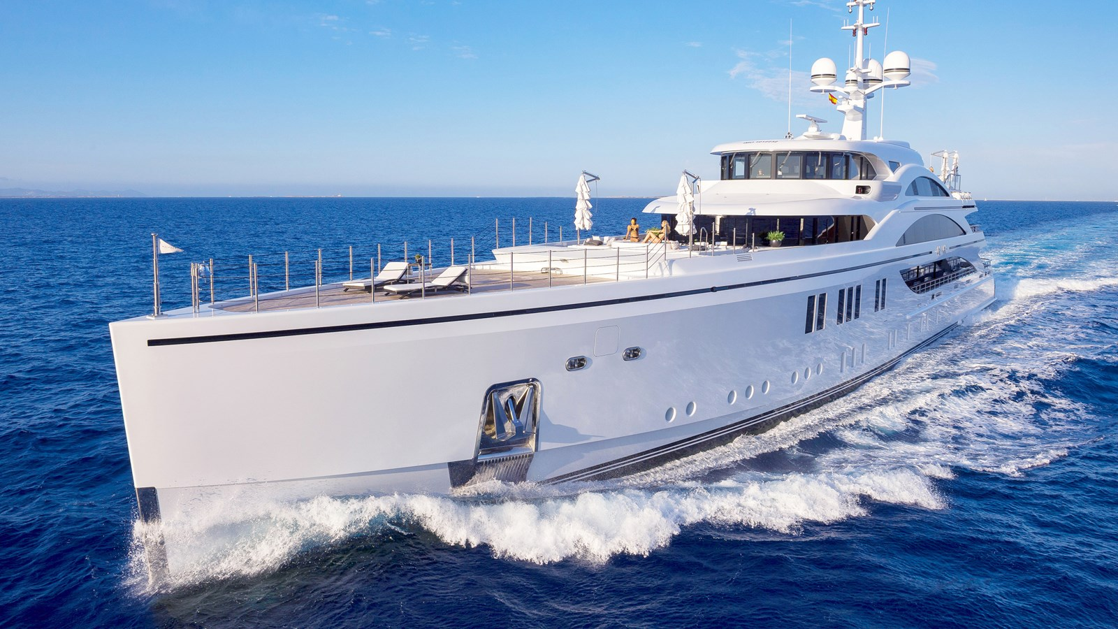 yacht for charter 11.11