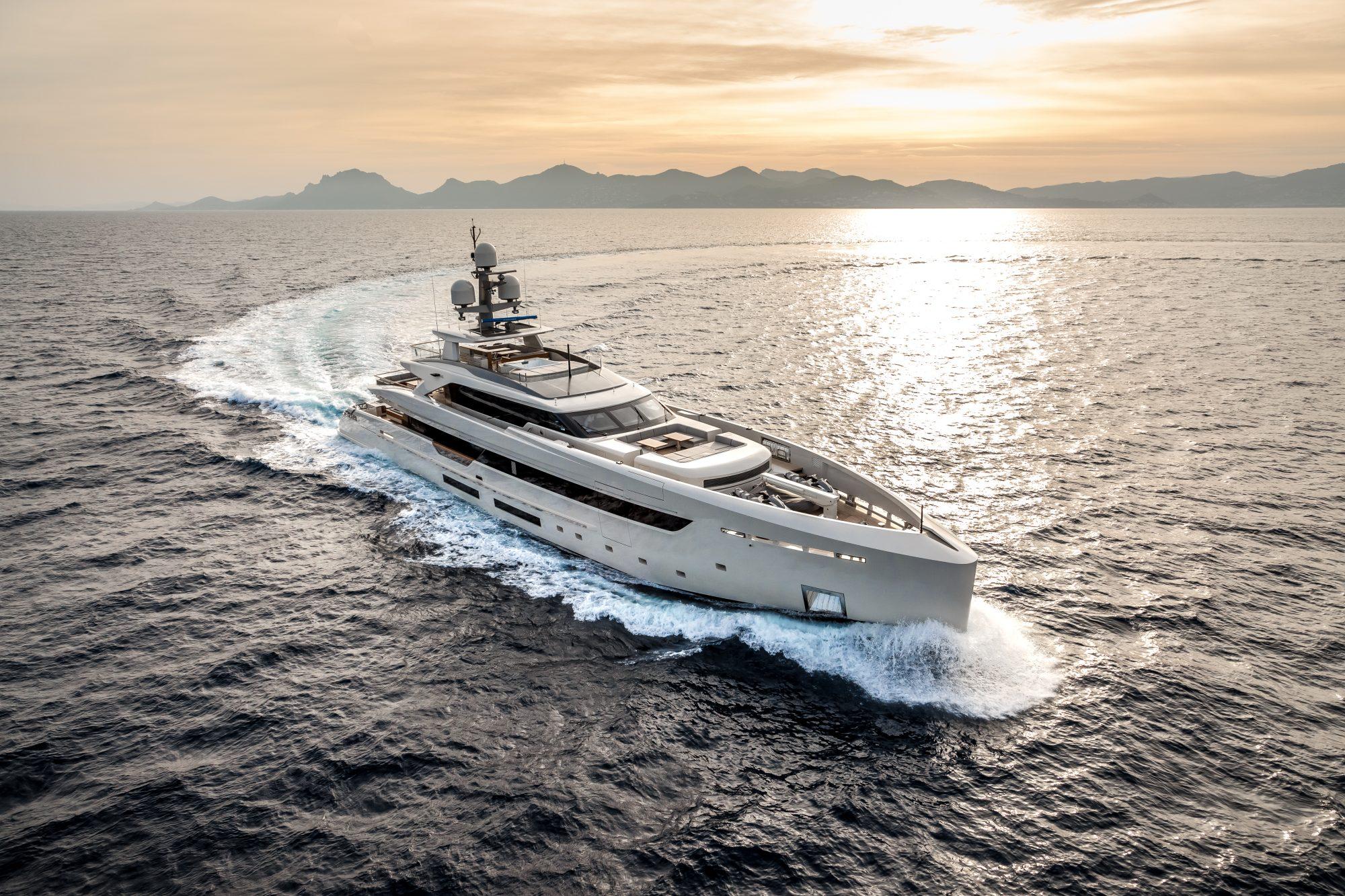 Motor Yacht VERTIGE for Charter with SuperYachtsMonaco