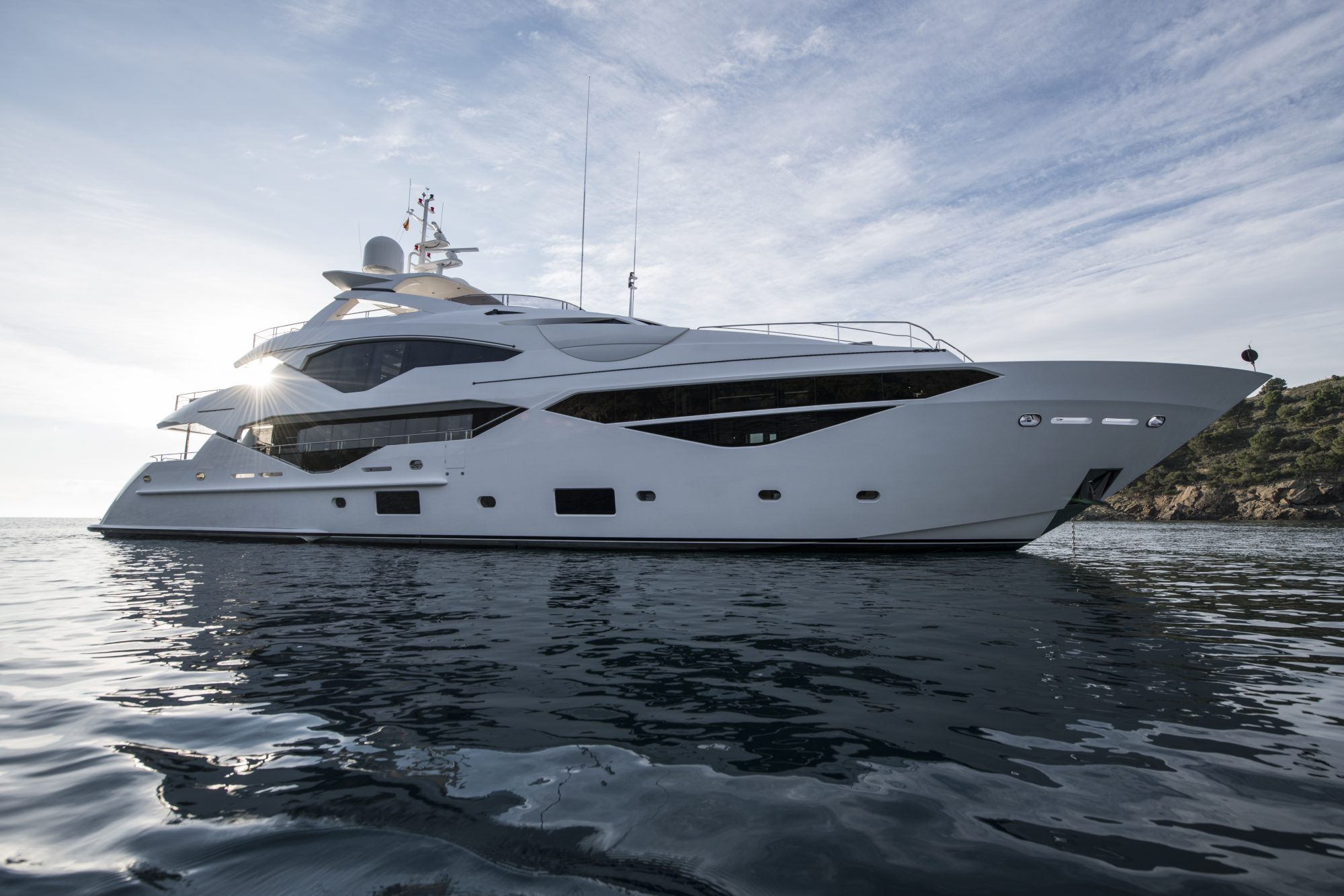 Motor Yacht BERCO VOYAGER for Charter with SuperYachtsMonaco