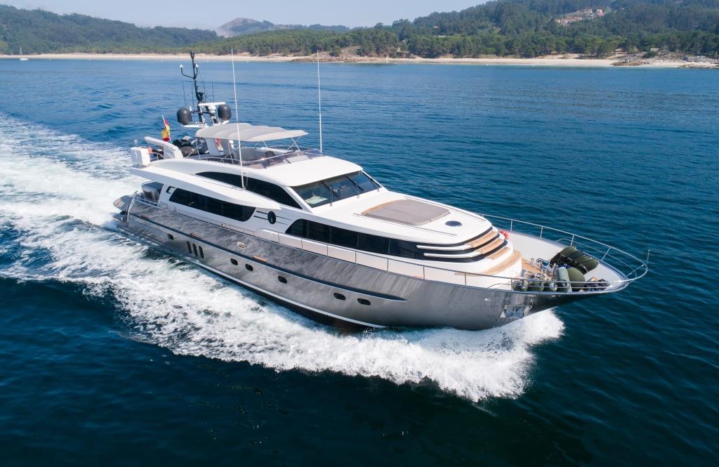 O Noso Uno yacht for sale