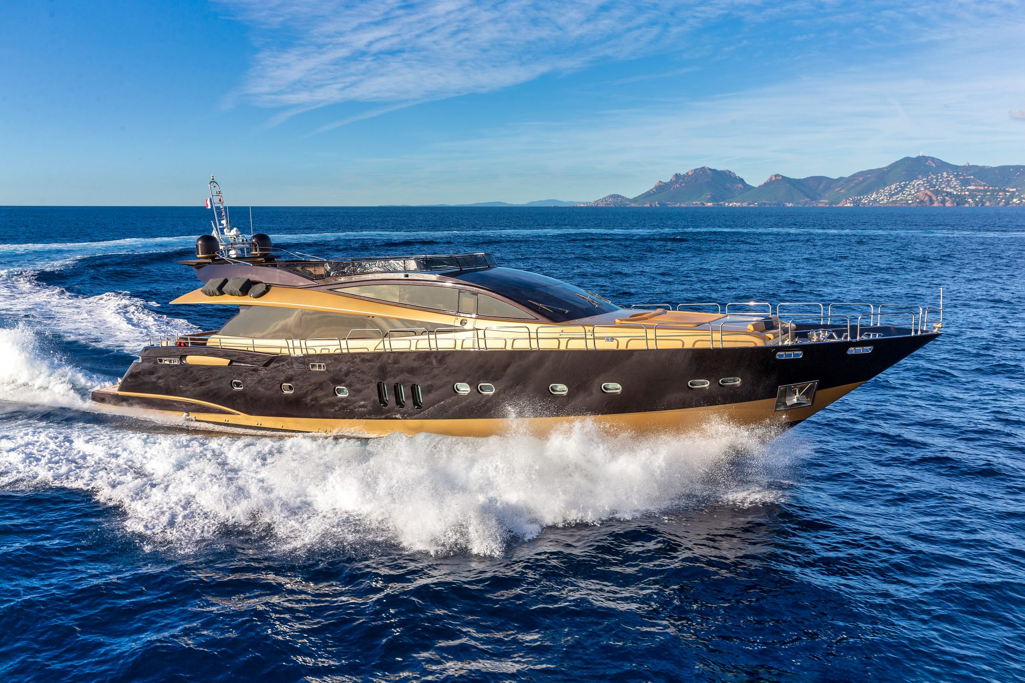 Motor Yacht CLAREMONT for Charter with SuperYachtsMonaco