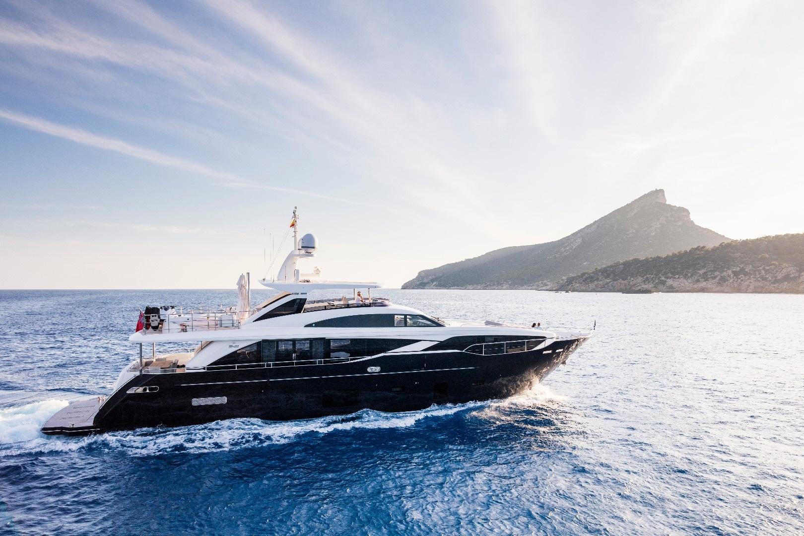 Motor Yacht KOHUBA for Charter with SuperYachtsMonaco