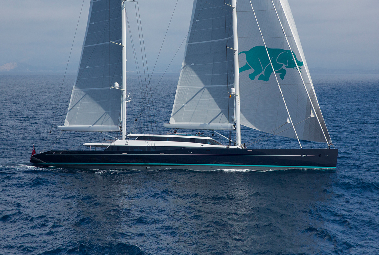 aquijo yacht for charter