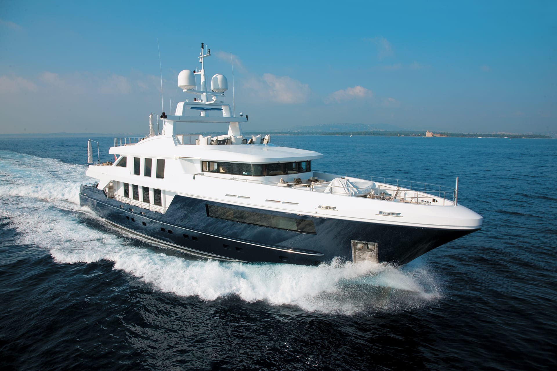 Motor Yacht CLICIA for Charter with SuperYachtsMonaco