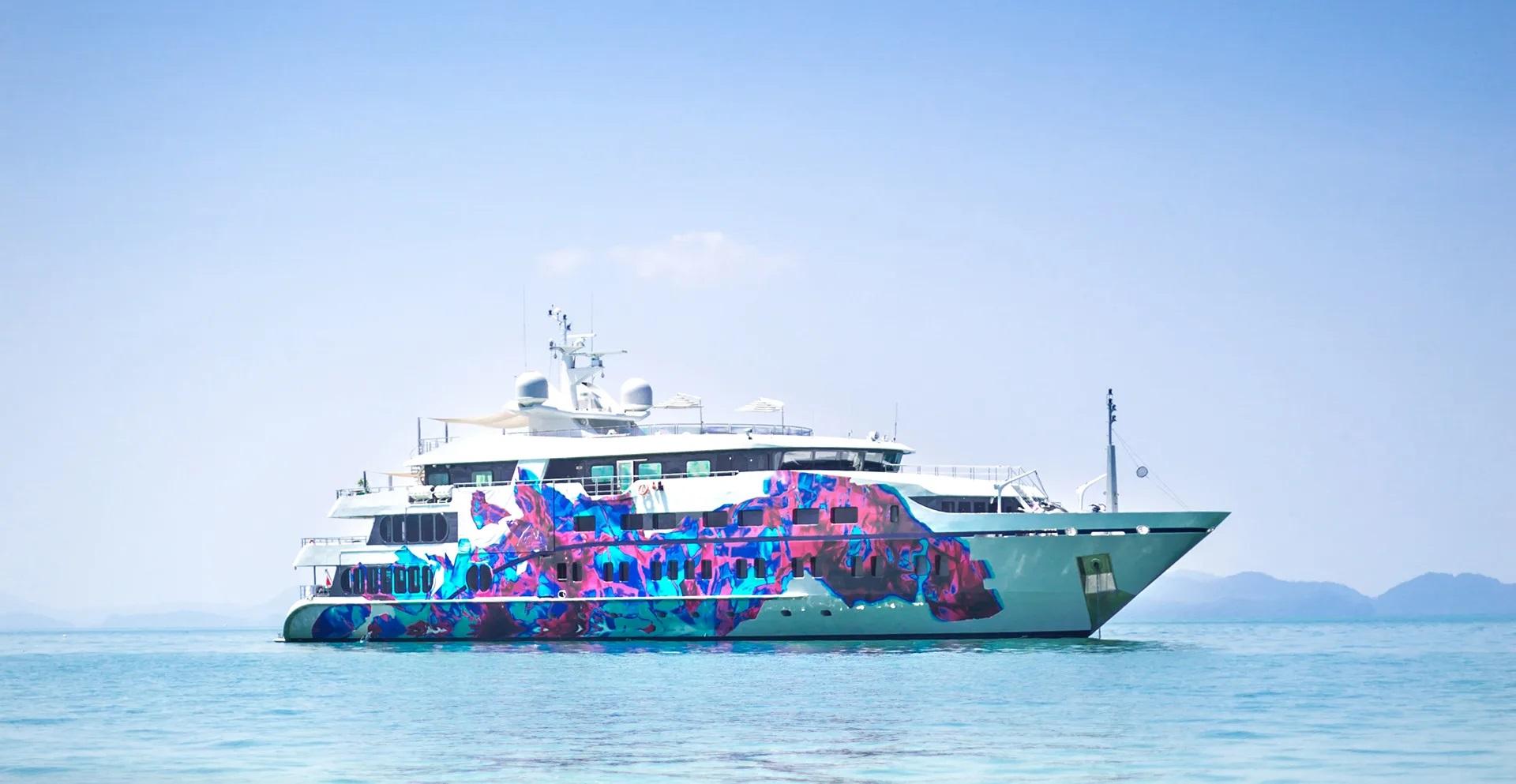 Motor Yacht SALUZI for Charter with SuperYachtsMonaco