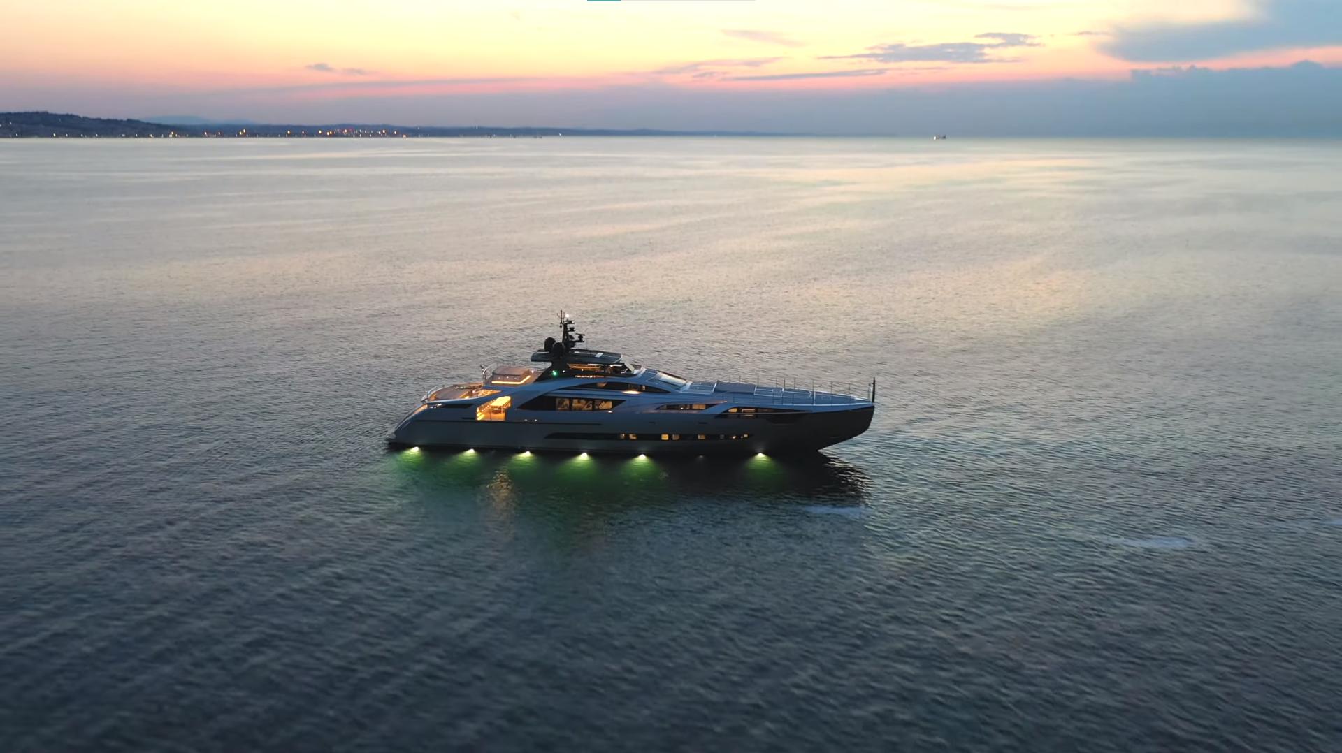 FERRETTI M/Y P140 Hull by Pershing Yachts